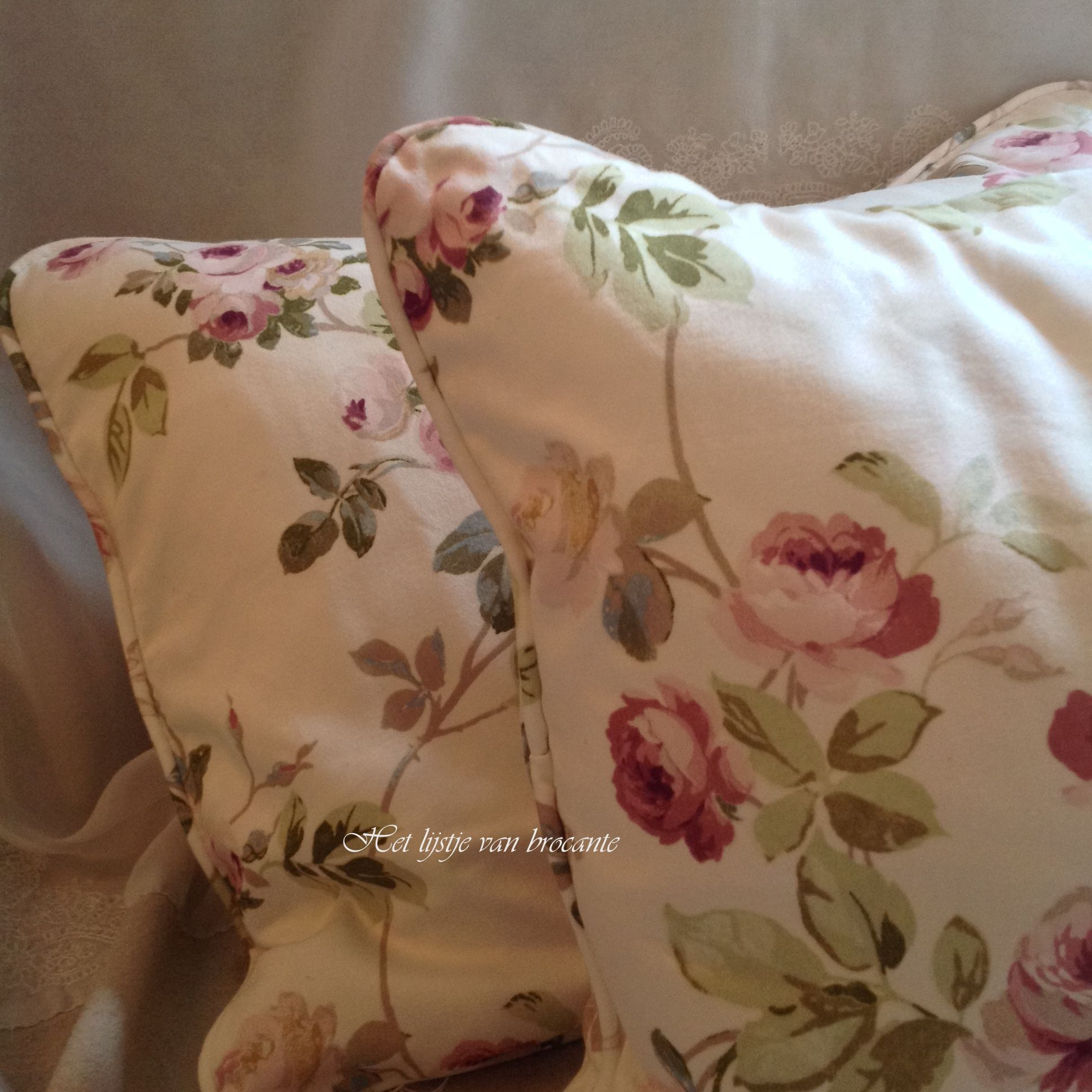 Möbelstoffe Landhausstil Beautiful English Rose Pillows Available In My Shop Pillows
