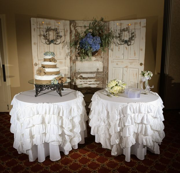 Wedding Cake Backdrop: Vintage Southern Wedding In Traditional Church
