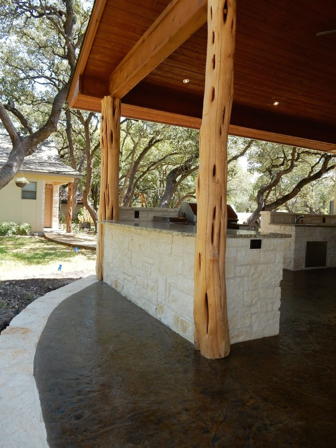Rustic Patio In San Antonio Texas Patio Is A Double Gable Covered Patio With Austin Limestone Outdoor Kitchen And Fire Pit Rustic Patio Patio Limestone Patio