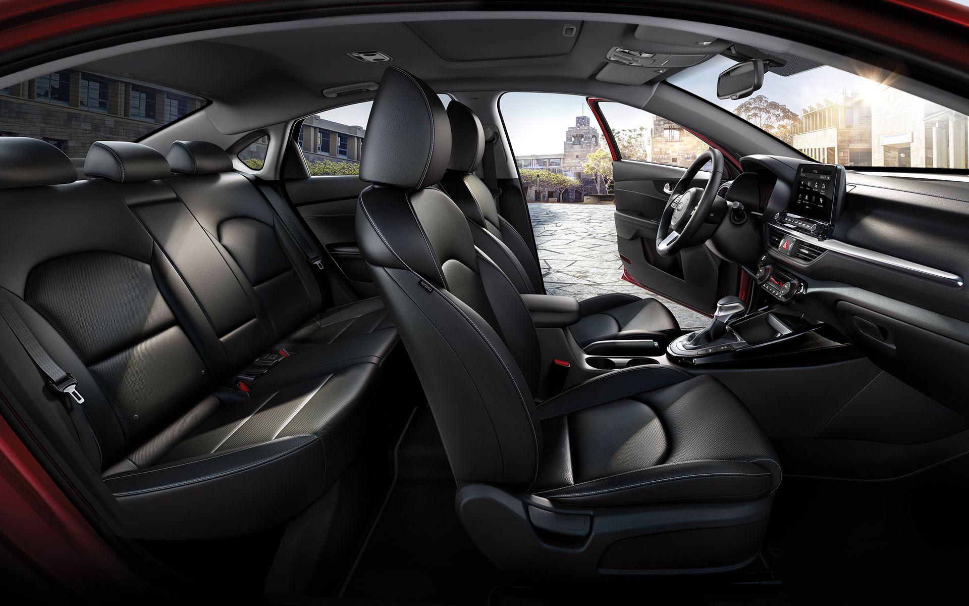 Explore The New Kia Cerato Forte Kia S Stylish 4 Door Compact Sedan Read About Its Interiors Exteriors Price And Other Powerful Featur Kia Sedan Kia Motors