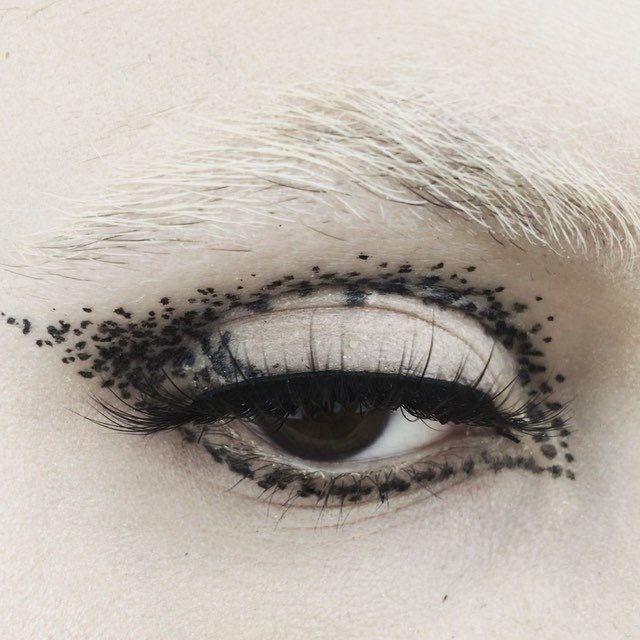 Black Glitter Eyeshadow Outline Eyeshadow Artistry Makeup