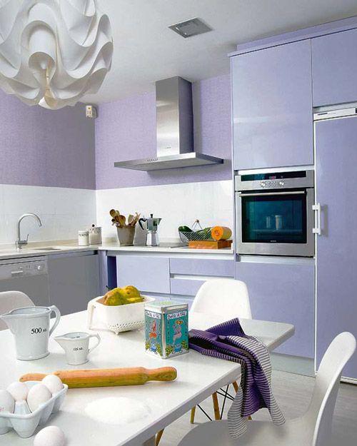 armario de cozinha roxo