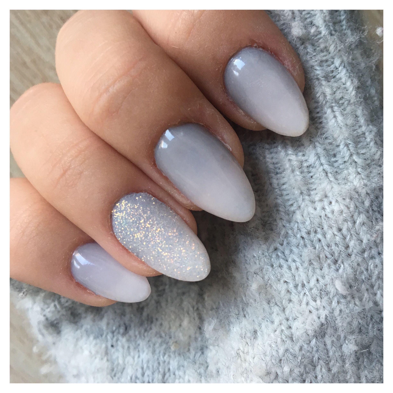 Ongles en gel et dégradé gris/blanc + effet sucre 💅🏼 Sur