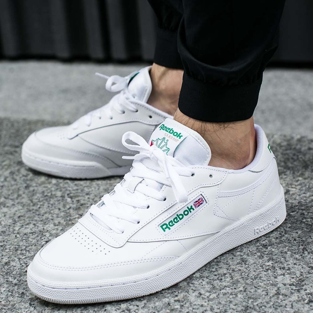 premium selection e5577 d8e36 Reebok Classics White And Green Sneakers