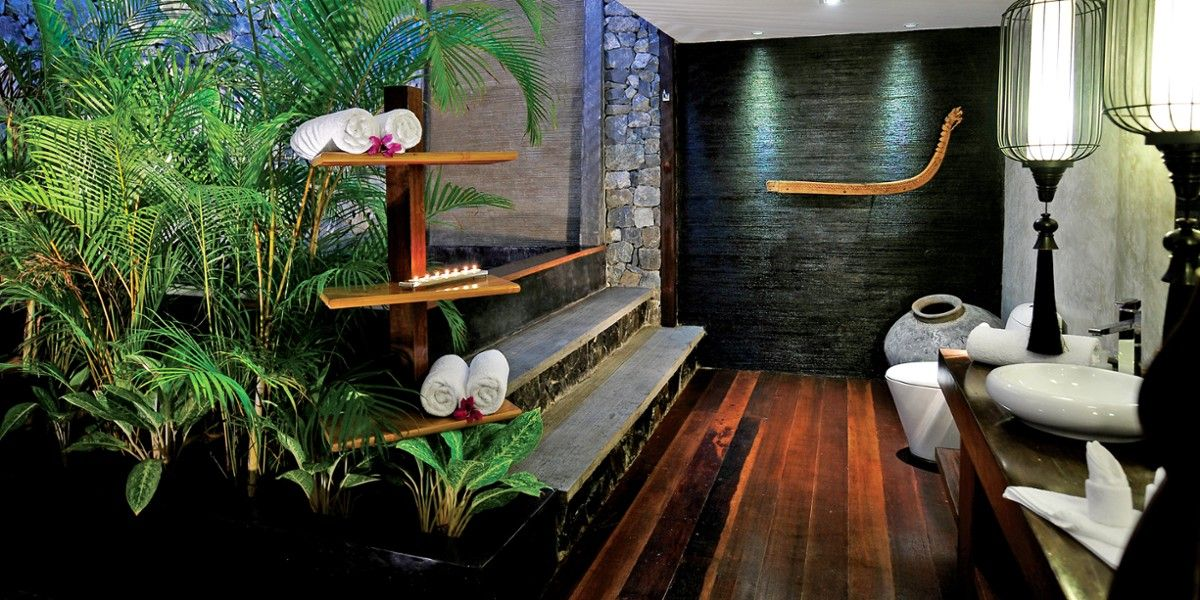 Villa Samadhi Jacuzzis take center stage in the zen-like Luxe Crib