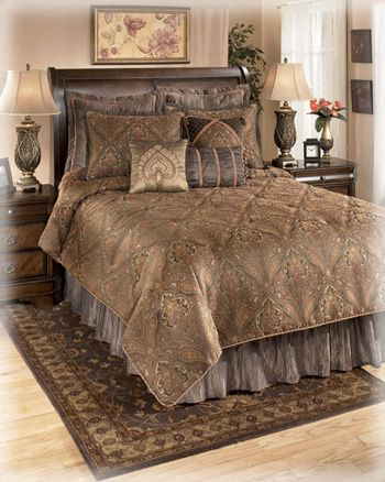 Ashley Furniture Queen Size Set 199 1 Oversized Comforter Bed Skirt 17 Inch Drop 2 Pillow Shams Euro 3 For King And Cal