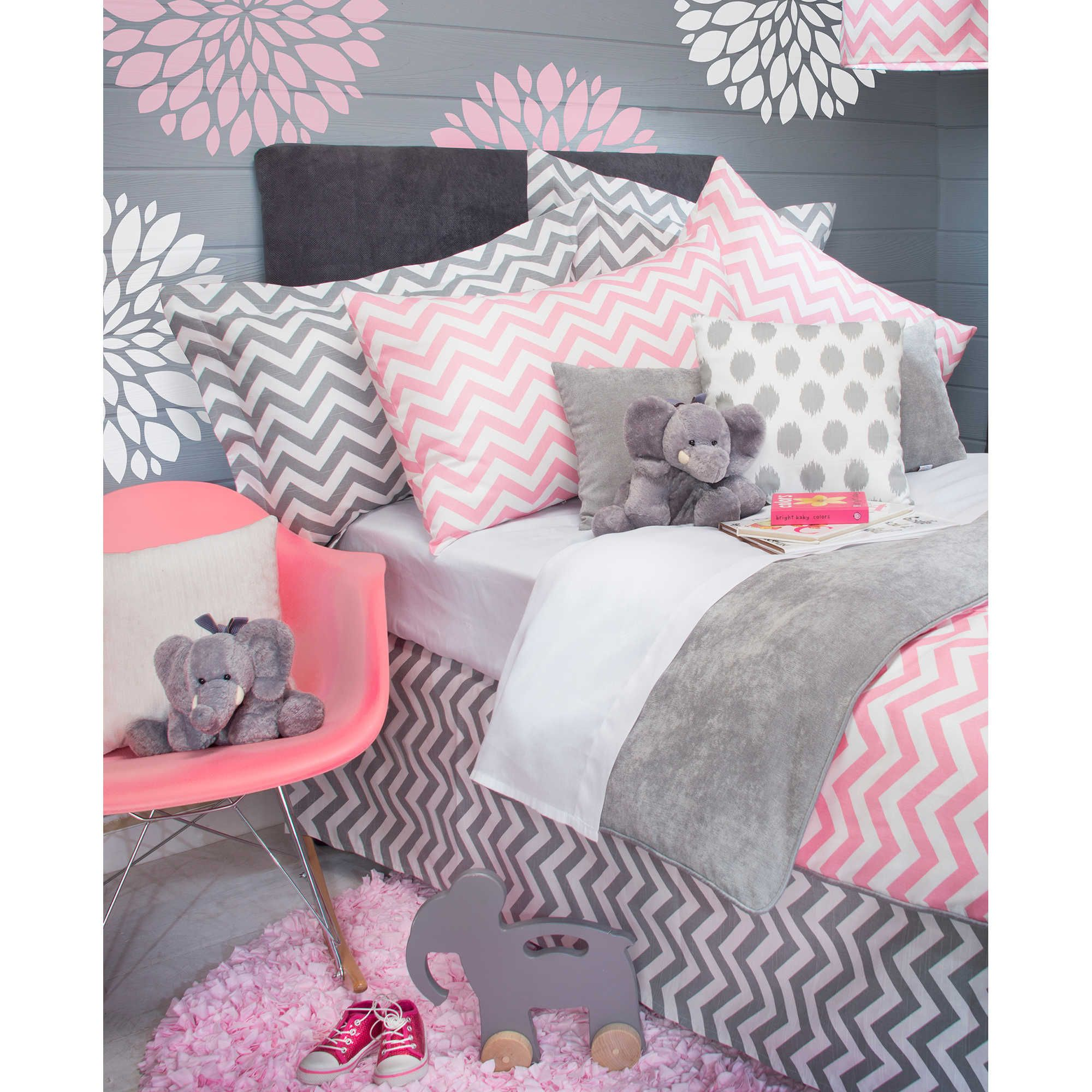 Glenna Jean Swizzle Bedding Collection in Pink Pink