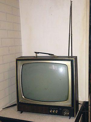 Awesome Vintage Tv For Sale Vintage Tv Vintage Radio Vintage Television