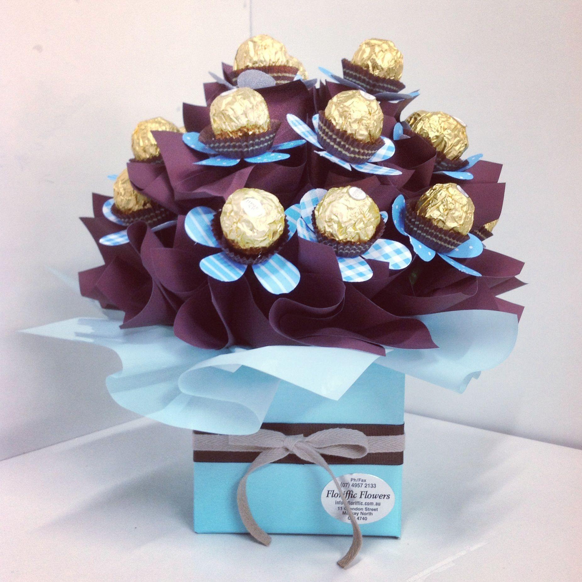 Chocolate bouquet on pinterest candy flowers bouquet of chocolate - Chocolate Bouquet Chocolate Flowerschocolate Bouquetcandy