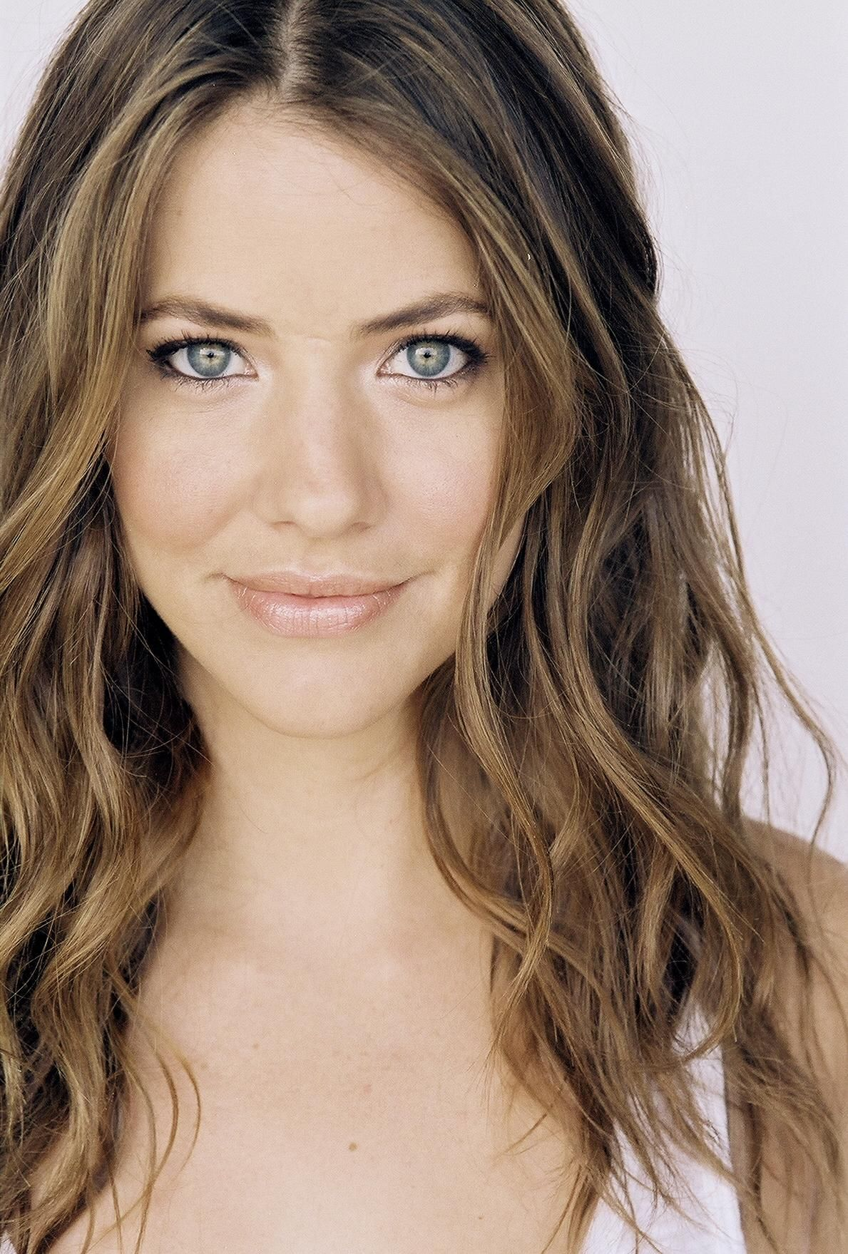 julie gonzalo hot