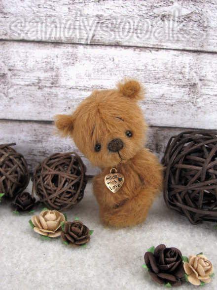 RUSSELL by sandysooaks | STuFfed | Teddy bear names, Bear