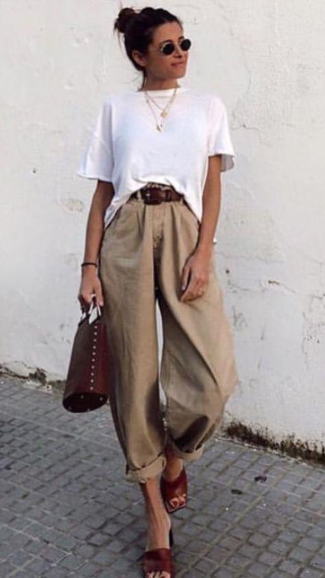 Consejos para llevar camisetas blancas holgadas con estilo  – Moda