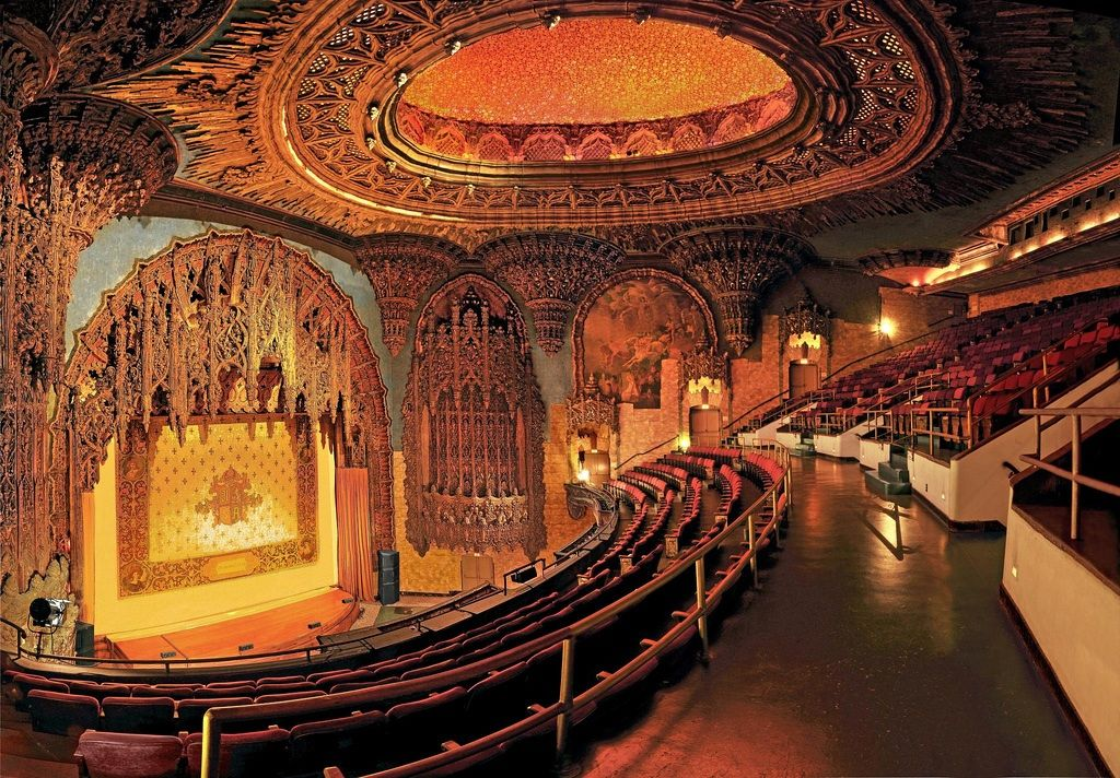 United Artists Theatre / Ace Hotel . Los Angeles United