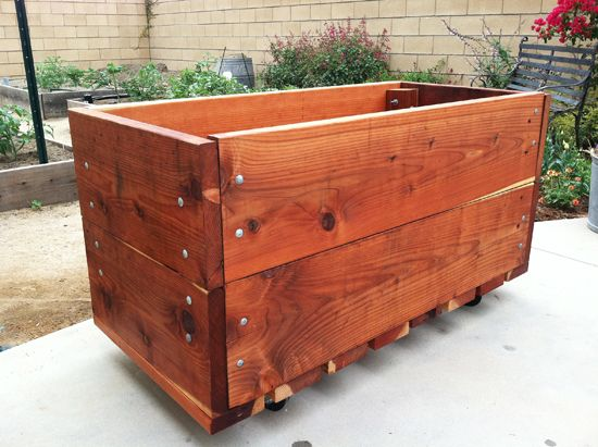 Make A Rolling Planter And You Can Even Make A Rolling 400 x 300