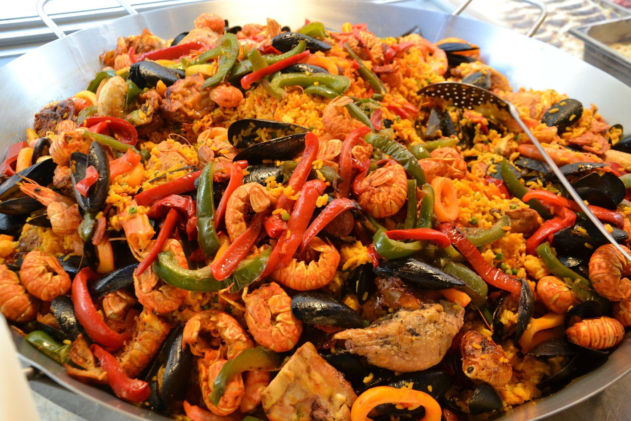 Les 25 meilleures id es de la cat gorie paella recette sur pinterest paella paella aux pates - La cuisine espagnole expose ...