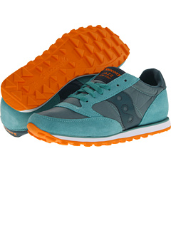 Awww yiss, new Saucony sneaks! It's like walking on pillows every time I put a new pair on.