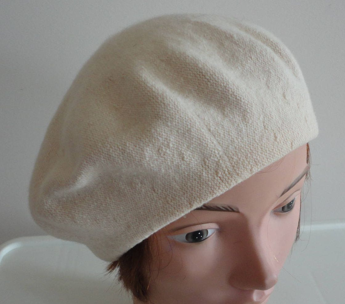 80s Cream wool beret women hat medium 10 1 2 inches Beatnik Look! by  LoukiesWorld on Etsy d7ae5e725029