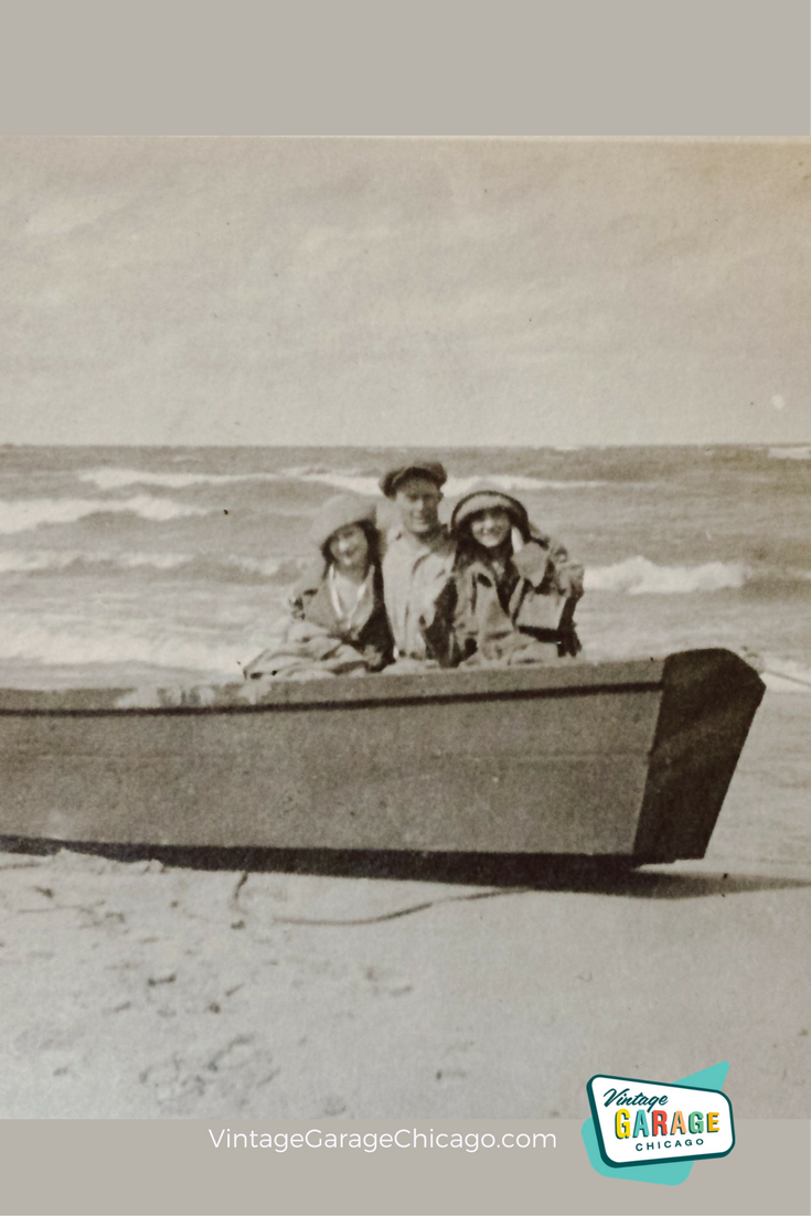 Vintage Photos Sometimes I Wish I Knew The Whole Story Why Are They In The Boat They Look Good Vintage Photos Vintage Boats Vintage Vintage Photography