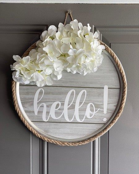 Hello! 👋🏻 #makersgonnamake #makeitwithmichaels #farmhouse #decor #hello #welcome #home #frontdoor #cricut #vinyl