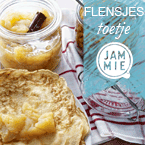 Crepes with apple cinnamon compote Recipe | JAMMIE | datisjammie.nl Crepes with homemade apple cinnamon compote. A lovely dessert. © JAMMIE® #Crepes #Flensjes