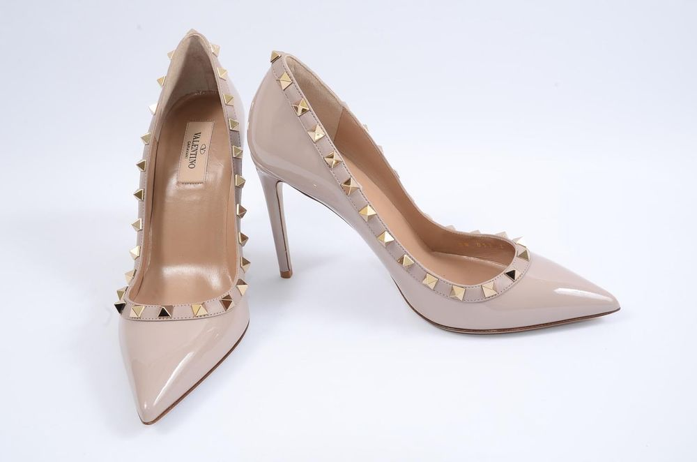 09bcacdda2 Valentino Rockstud nude 7.5 37.5 patent leather trimmed point toe pump shoe  $845 #shoes #designer