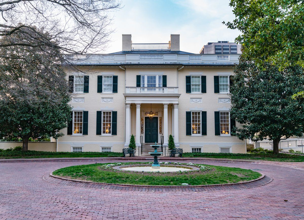 The 14 Best Governor S Mansions In America American Houses House Styles Mansions