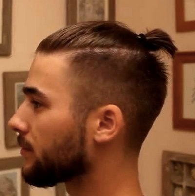 Top 5 Trendy Australian Hairstyles For Men In 2020 Man Bun Hairstyles Long Hair Styles Men Top Knot Men