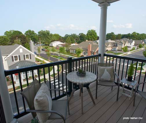 A Little Outdoor Living Luxury Provided By A Balcony With A Chadsworth S Frp Column Accentuating It The Woods A Outdoor Living Luxury Outdoor Living Outdoor