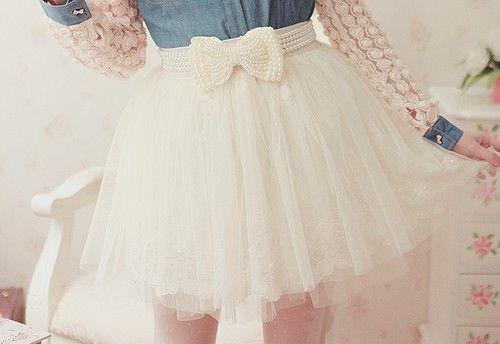 Pearl bow belt, White tulle layered skirt