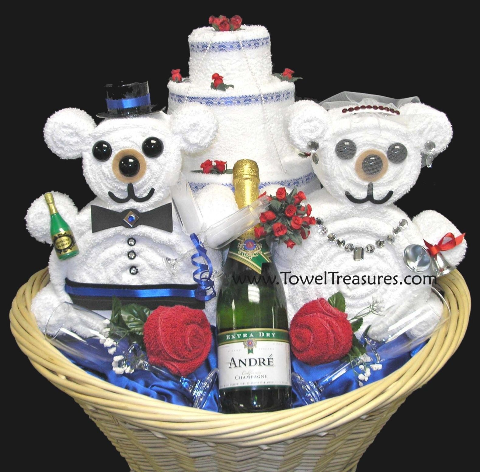 32 perfect wedding gift baskets for bride and groom with