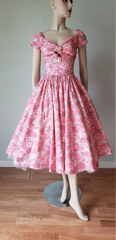 1950s Jerry Gilden Spectator Dress Summer Cotton Floral Etsy Floral Cotton Dress Cotton Dress Summer Summer Dresses [ 3000 x 1458 Pixel ]
