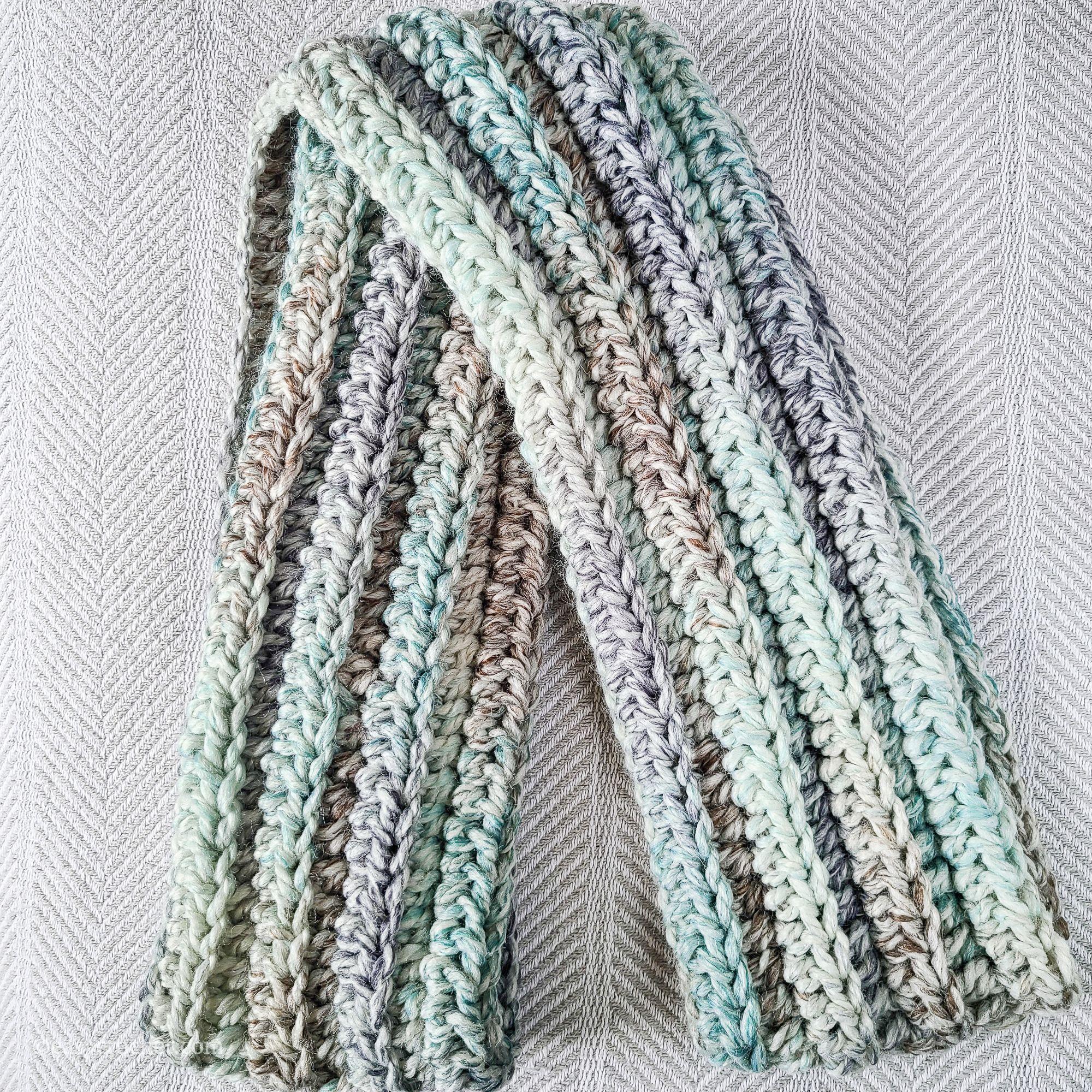 Half Double Crochet Infinity Scarf Pattern In 2020 Crochet Infinity Scarf Pattern Crochet Infinity Scarf Infinity Scarf Pattern