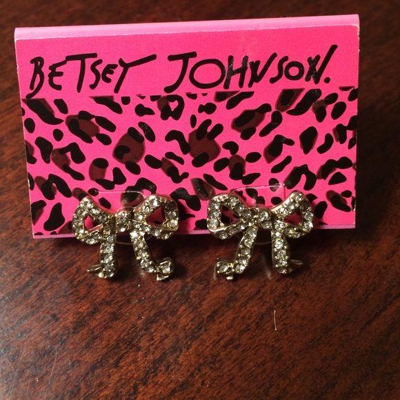 Betsey Johnson Jewelry - ️NWT Betsey Johnson bow earrings