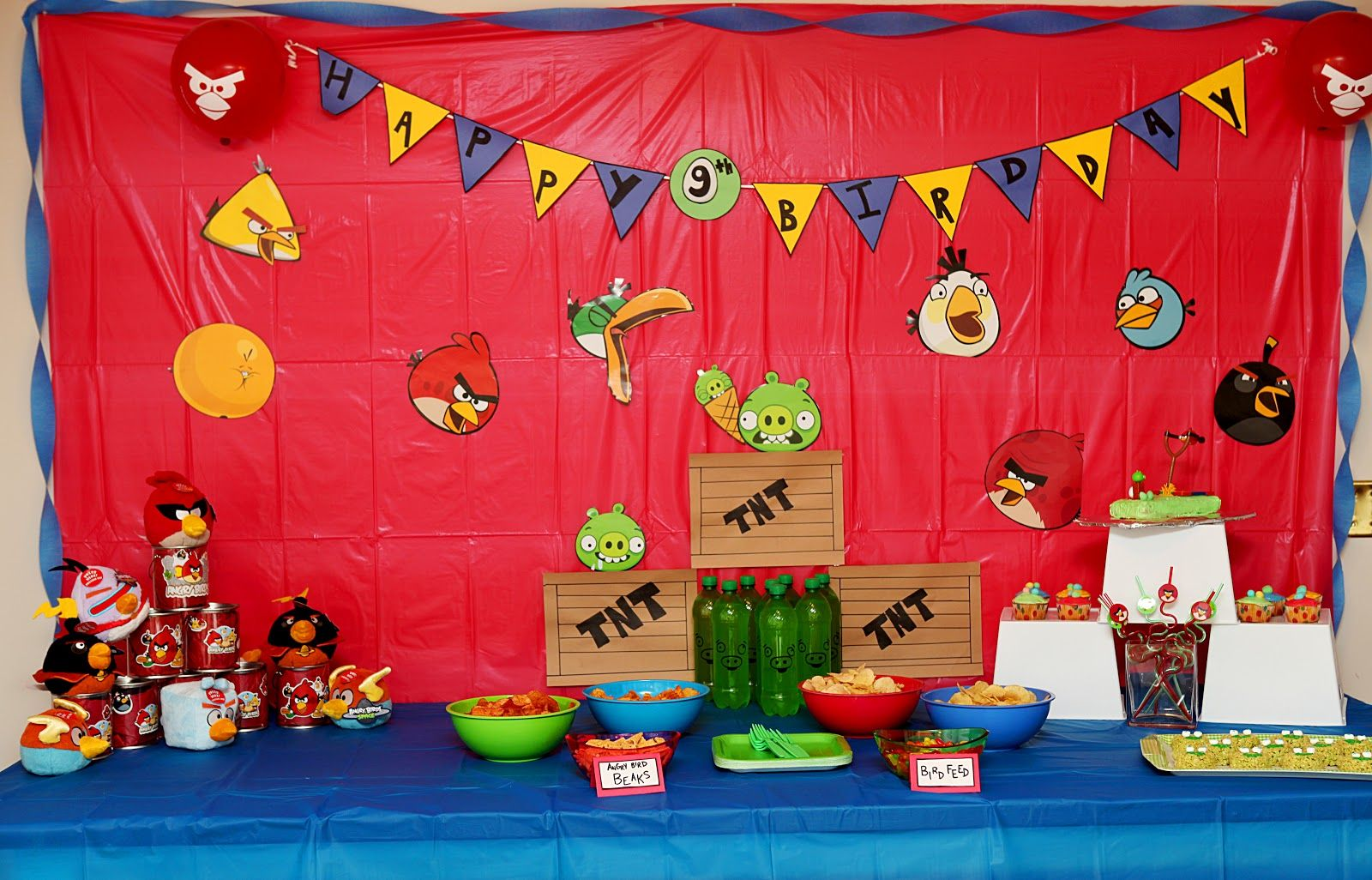 Angry Bird Table Decorations Angry Birds Bird Birthday Parties