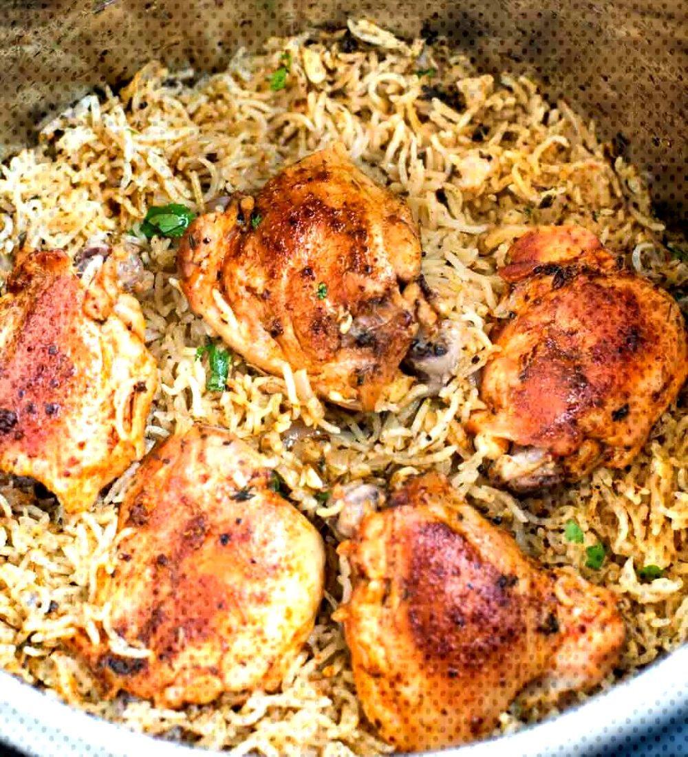 INSTANT POT GARLIC HERB CHICKEN AND RICE Garlic Herb Chicken and Rice made in the InstantPot ha