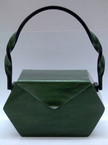 VINTAGE SIGNED WILARDY GREEN LUCITE PURSE WITH TWISTED HANDLE