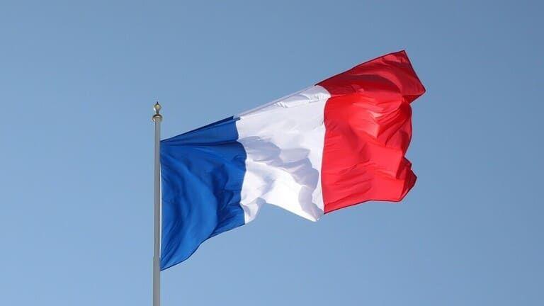 فرنسا تتهم تركيا بارتكاب أعمال عدائية تجاه الناتو وجهوده في ليبيا Canada Flag Outdoor Libya