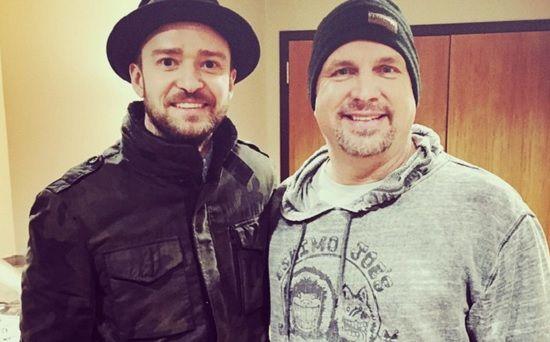 Garth Brooks and Justin Timberlake are buddies! #JustinTimberlake #GarthBrooks