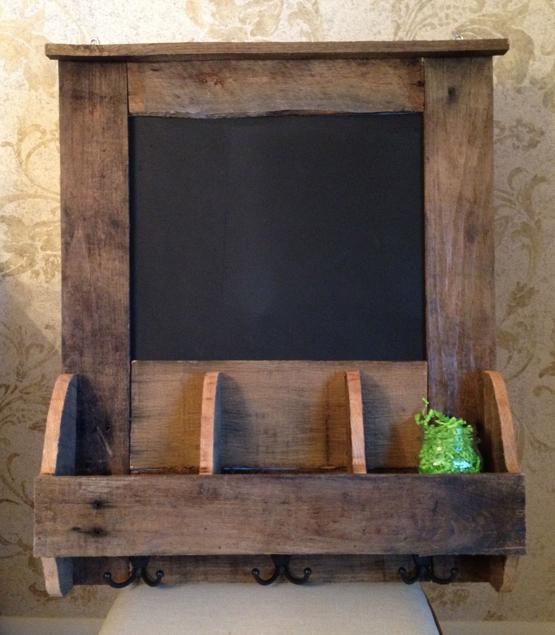 Pallet Wood Backsplash Reclaimed Pallet Wood Chalkboard Organizer Ideas Pinterest
