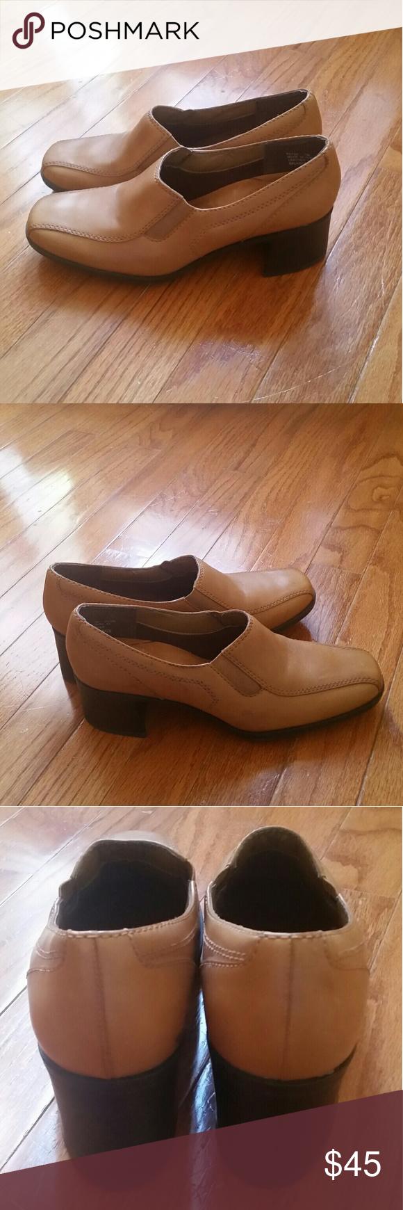 Clark women's shoe's Juliet Lora loafer