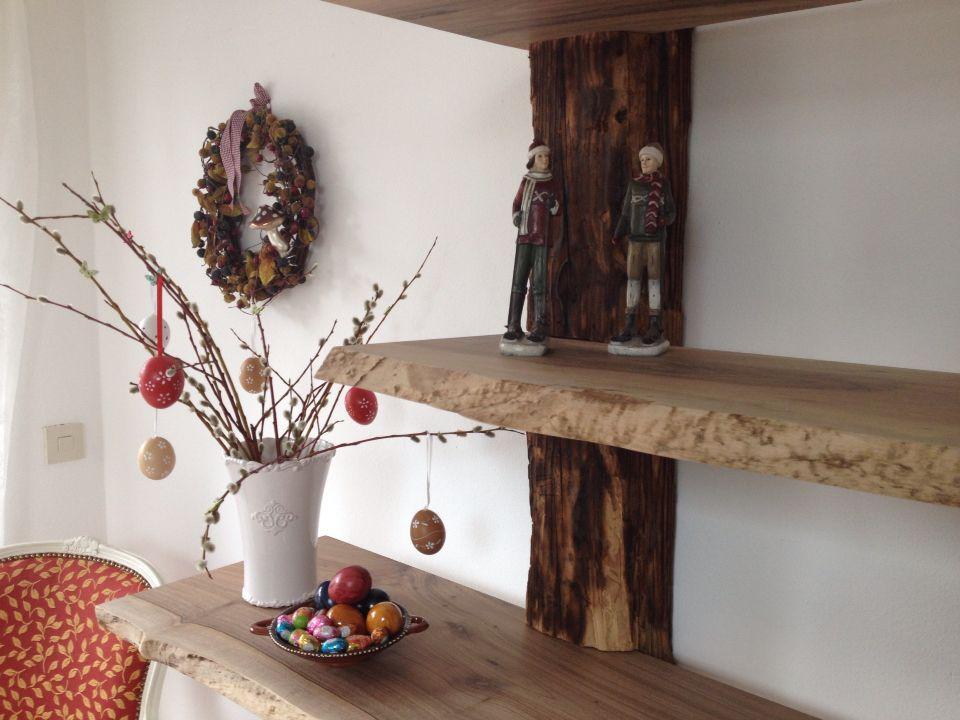 Holzregal die geschliffenen b den werden in die alten - Holzbalken regal ...