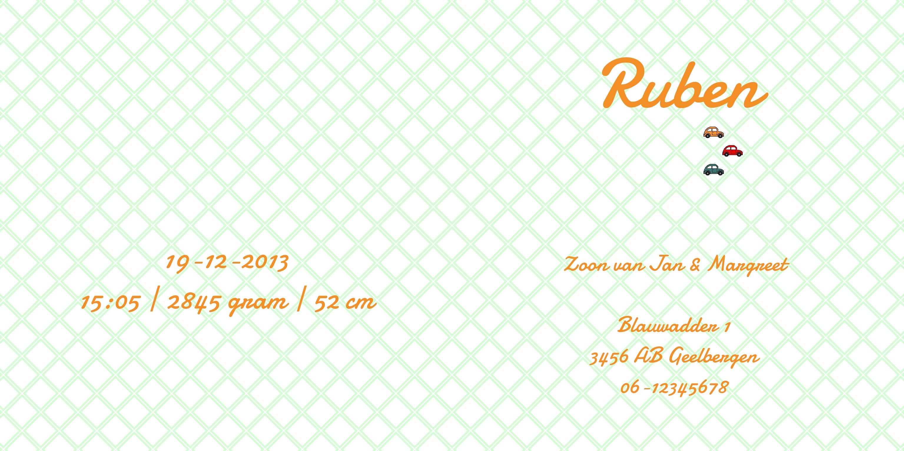 """De binnenkant van het hippe geboortekaartje """"Ruben"""" met een felgekleurd ruitjes patroon, random ingekleurd met gekleurde autootjes. De oranje tekst zorgt voor een bijzondere, klassiek aanvoelende, combinatie. De kleur van het patroon en de tekst kunnen kosteloos worden aangepast. www.kleurindruk.nl"""