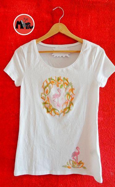 T Shirt Flamingo Handbedruckt Von Motte By Monte Klamotte Auf Dawanda Com Shirt Flamingo Shirts Etsy