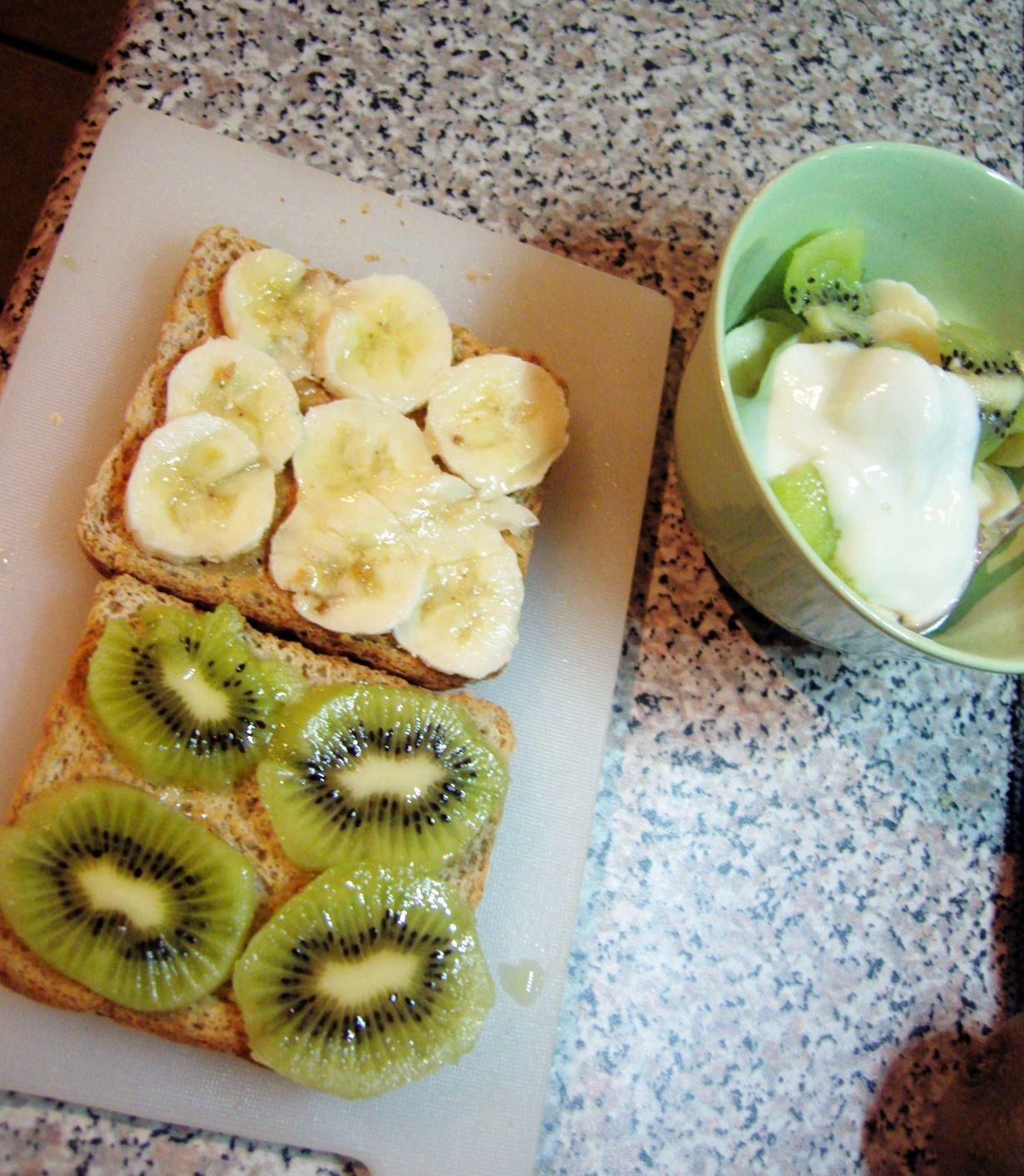 Warum eigentlich immer nur Gemüse auf's Brot? Nikushimii zeigt, dass es auch anders geht.