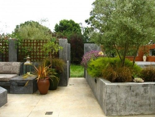 Concrete Or Stone Planter Wall Keep The Kids And The Flowers Contained Concrete Planters Front Yard Design Planter Design