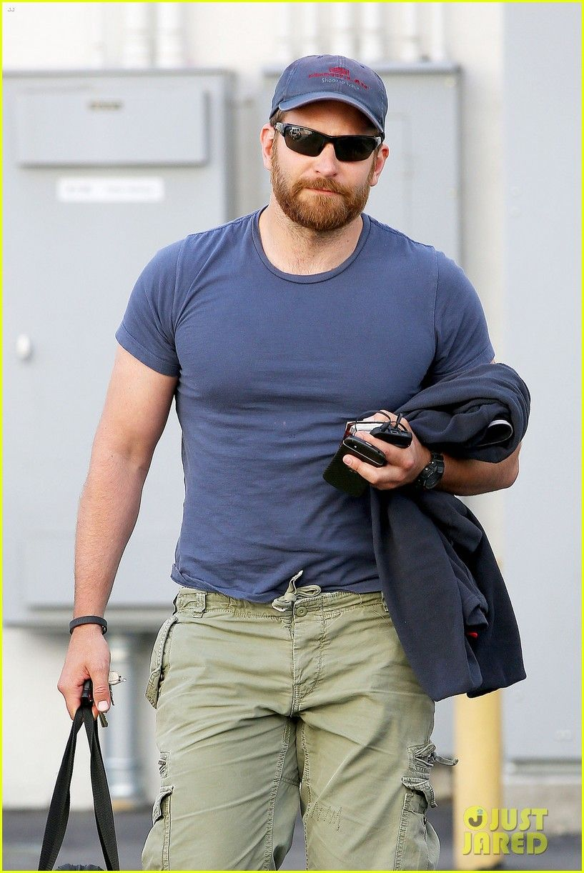 Bradley Cooper Shows Off His Super Beefed Up Body! | Bradley Cooper Photos | Just Jared