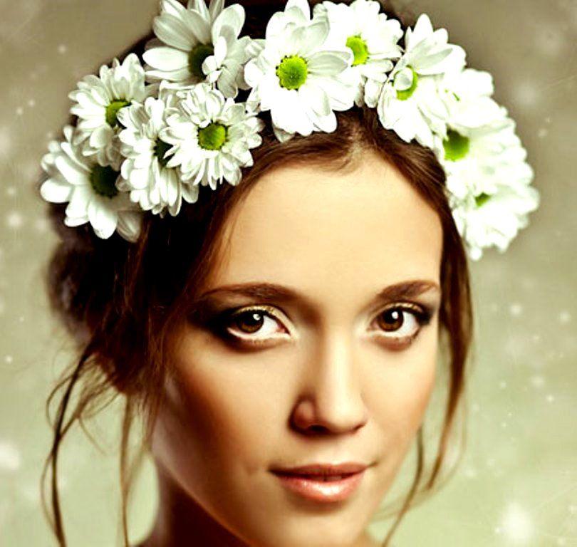 Bride's Daisy Flower Crown #flowercrowns #flower #wedding