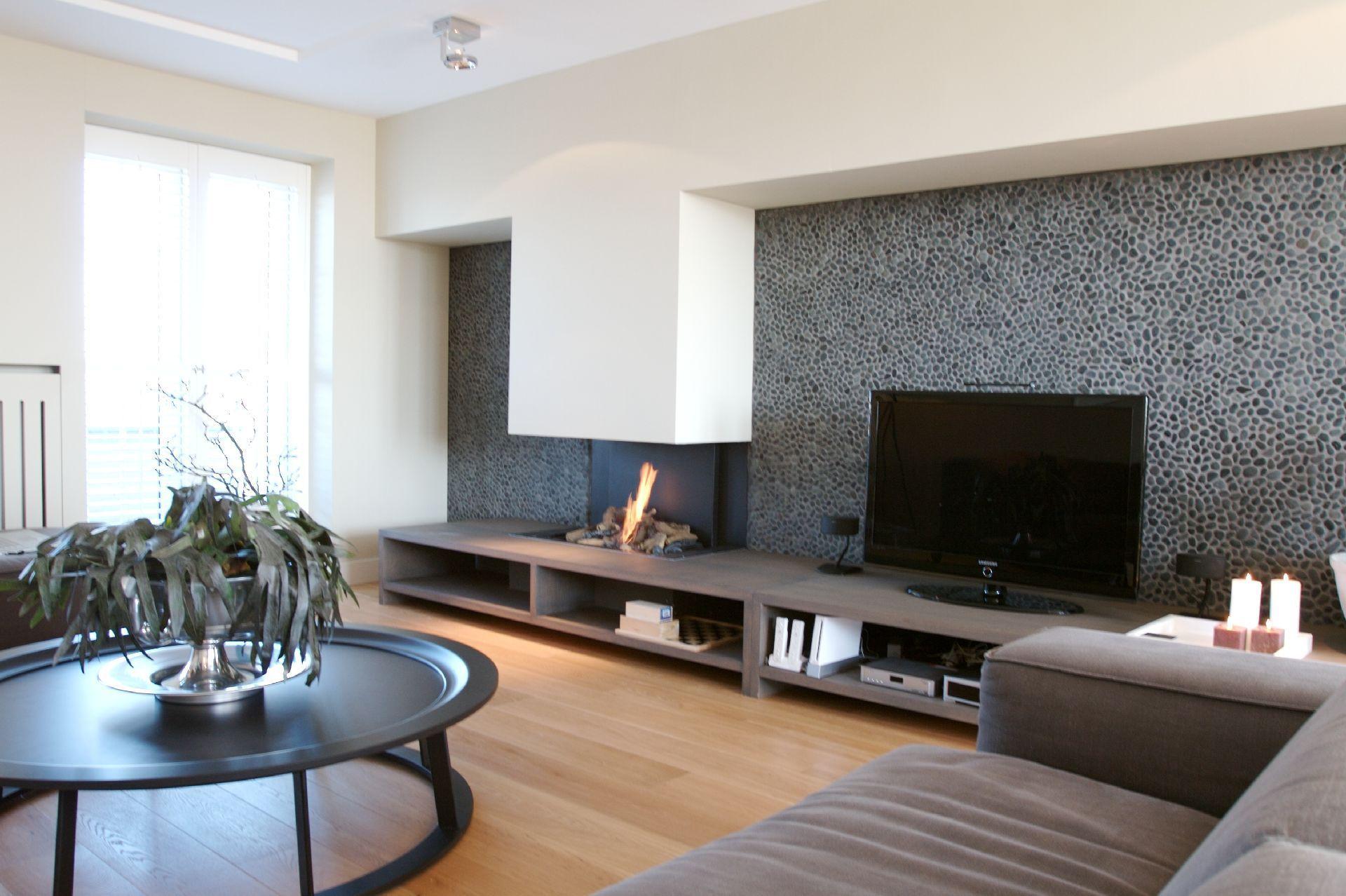 Houtlook tegels woonkamer keramisch parket leggen home pinterest
