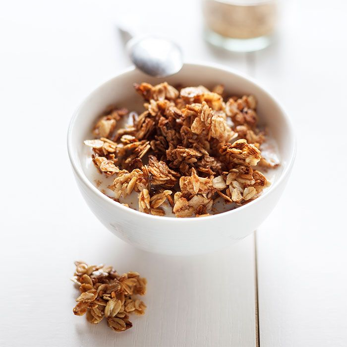 Eating enough whole grains and cereal fibers may reduce your risk of early death, a new Harvard study shows. Check out these 10 healthy, whole-grain breakfast brands.