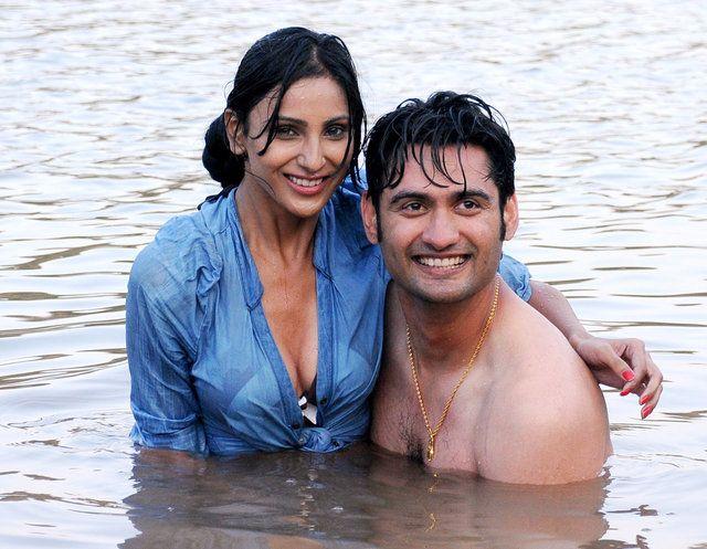 Interview Indian Bollywood Film Actress Aakshi Khari Hot Scene With Actor Sumeet Sharma